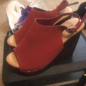 Brand new platform shoe